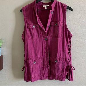 Burgundy colored linen vest 🌻